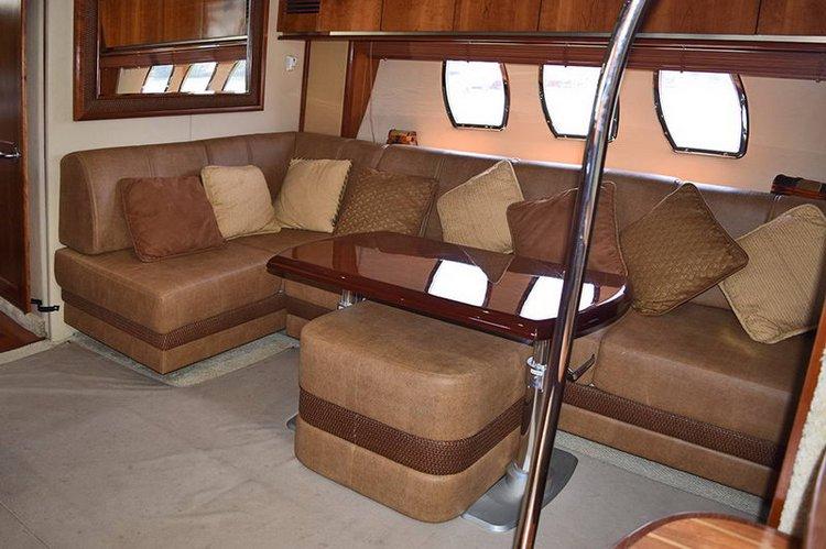 Flybridge boat rental in Cancún, Mexico