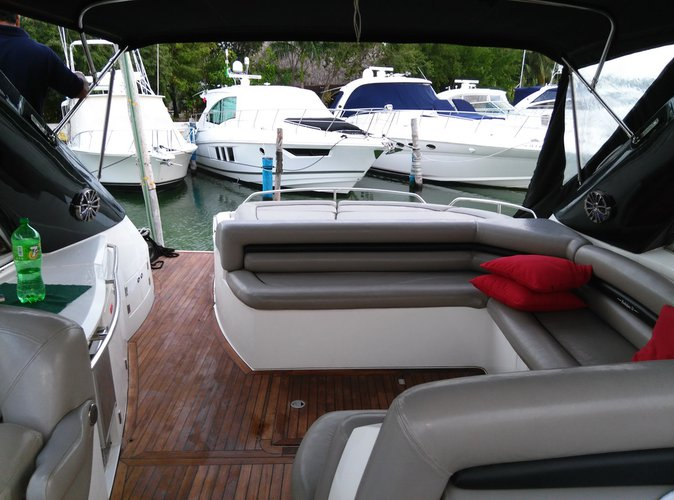 Discover Cancún surroundings on this 56 Sunseeker boat