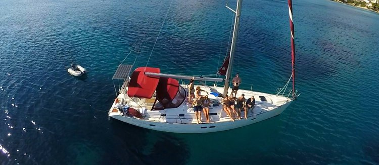 Sailing Holidays in Greece on a Beneteau Oceanis 411