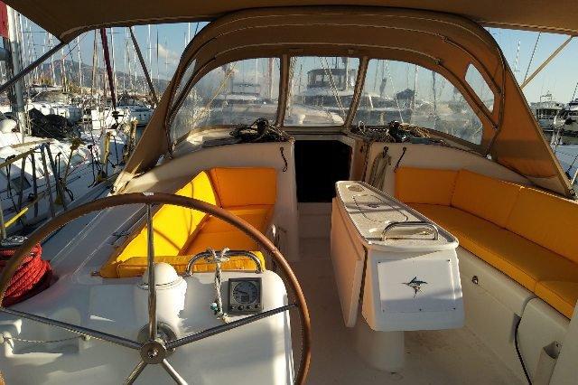 Monohull boat rental in Athens, Greece