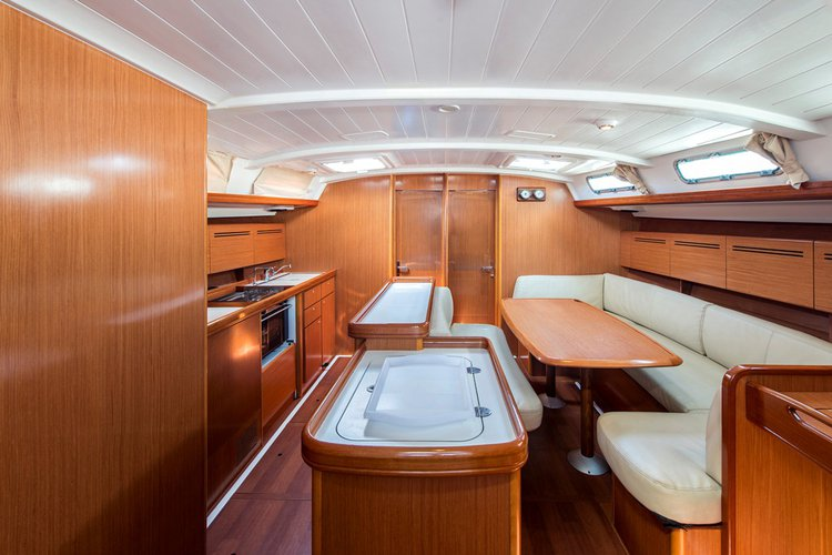 Beneteau boat for rent in Lavrio