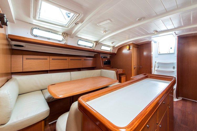 Boat rental in Lavrio,