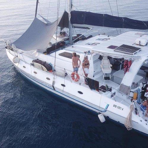 Discover Thulusdhoo surroundings on this Custom Custom boat