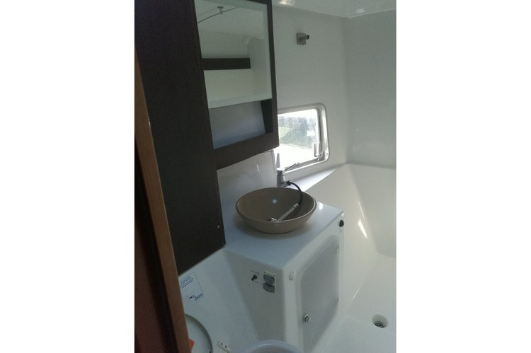 This 38.0' Fountain cand take up to 15 passengers around Cancún