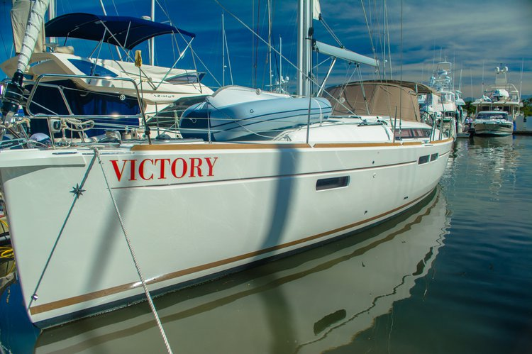 Enjoy luxury and comfort on this Puerto Vallarta 48 ft Sailboat rental