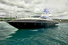 Modern 68' Azimut perfect for a day charter in Miami
