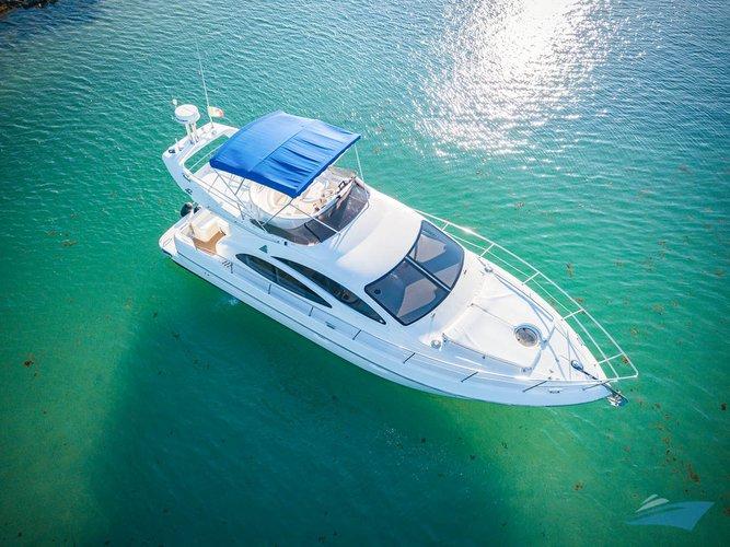Boat for rent Azimut 42.0 feet in Puerto Aventuras Marina, Mexico