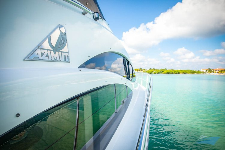 Azimut boat for rent in Puerto
