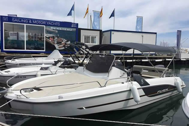 Walkaround boat rental in Trogir, Croatia