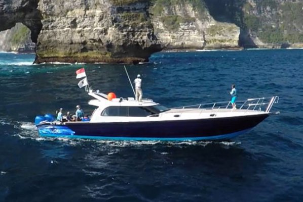 Have fun in the sun on this Denpasar motor boat charter
