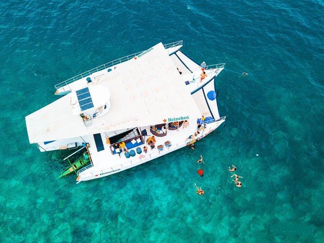 Custom's 72.0 feet in Cebu