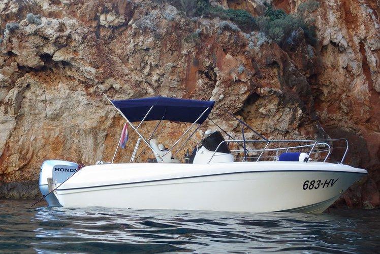 Insidias Marine's 22.0 feet in Hvar