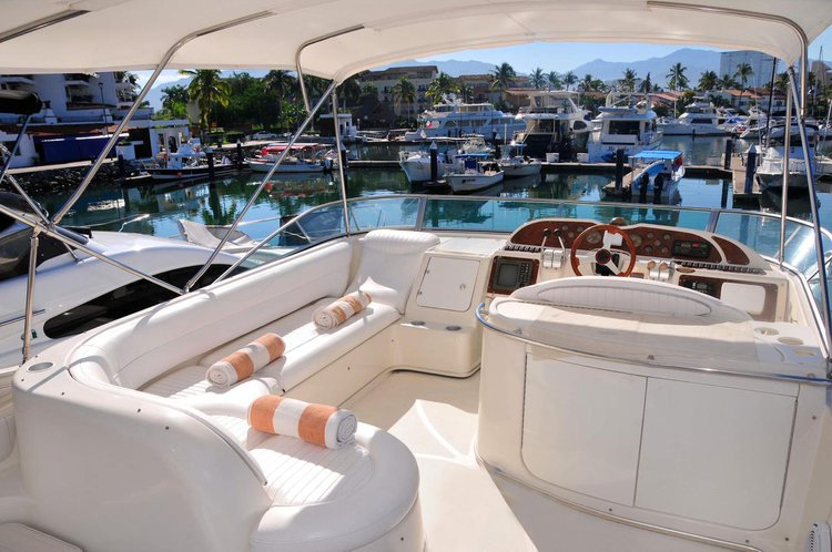 Motor yacht boat for rent in Nayarit