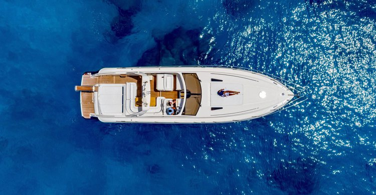 Boating is fun with a Motor yacht in Zakynthos