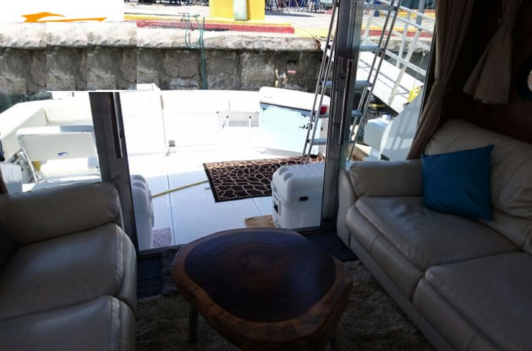 Up to 16 persons can enjoy a ride on this Trawler boat