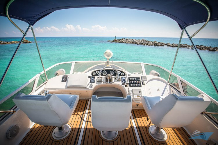 Boat rental in Puerto,