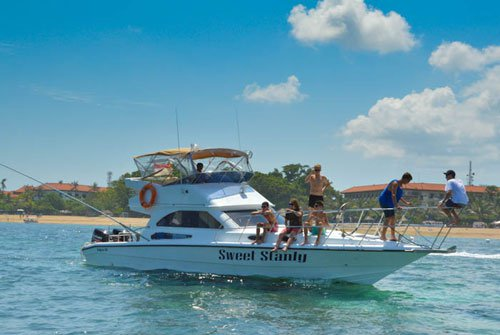 Boating is fun with a Motor yacht in Nusadua – Bali