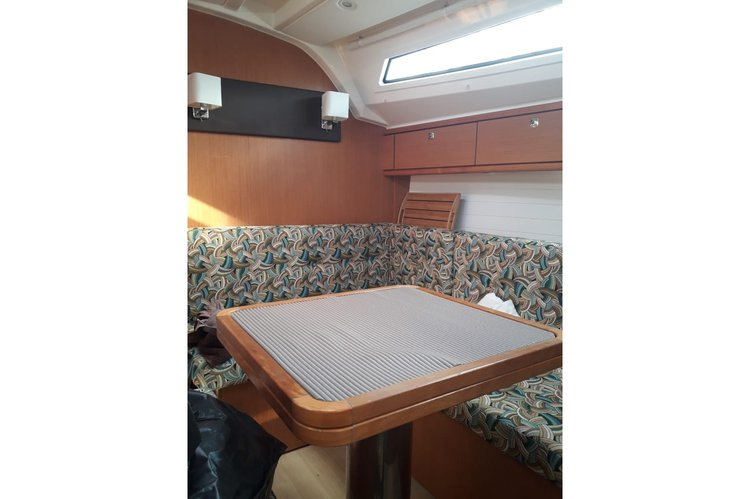 Boat for rent Bavaria 39.0 feet in Le Marin,