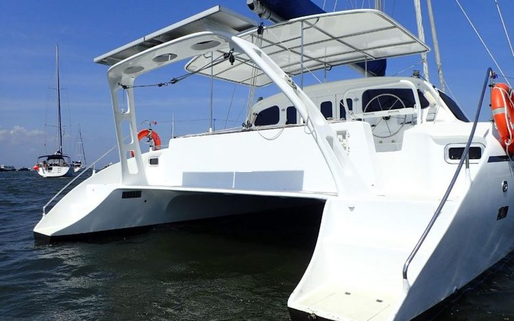 Discover Denpasar surroundings on this Custom Custom boat