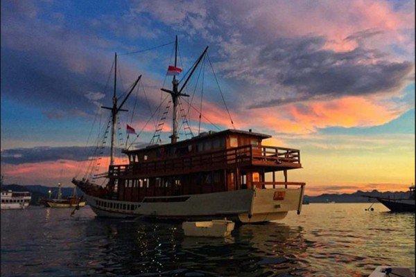 Boat for rent Custom 88.58 feet in Nusa Tenggara, Indonesia