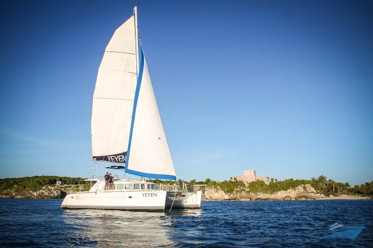 Have fun in the sun on this Mexican sailing CAT charter