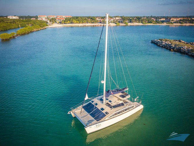 Hop aboard this amazing sailing CAT rental in Mexico!