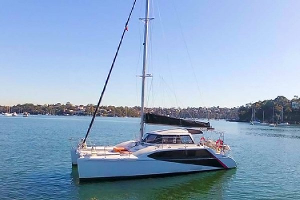 This 33.0' Seawind cand take up to 20 passengers around Sydney