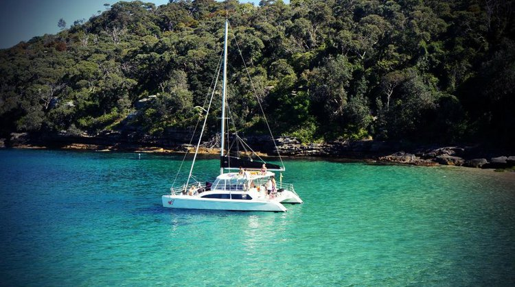 Beautiful catamaran for rent, ideal for fun in the sun