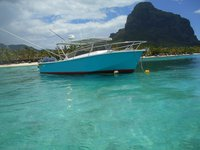 Get the perfect boat for fishing in Mauritius