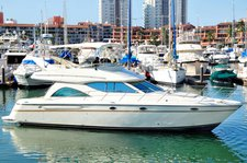 Relax and have fun on this gorgeous Maxum 46 boat charter in Mexico