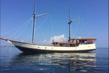 Cruise in style on this beautiful sailboat for rent in Nusa Tenggara