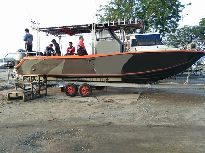 Boat rental in Setiawan,