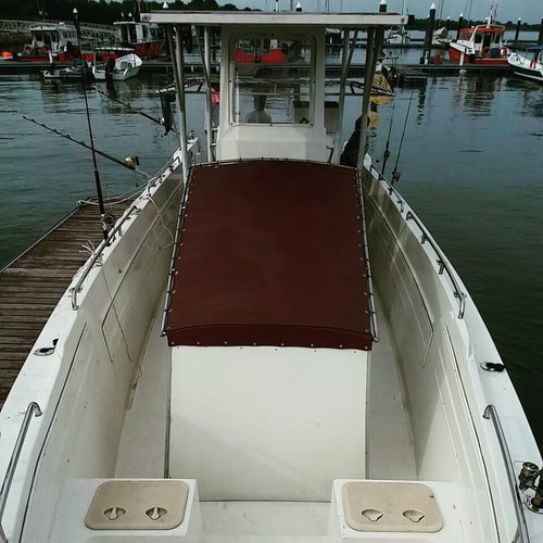 Center console boat rental in Port Klang, Malaysia