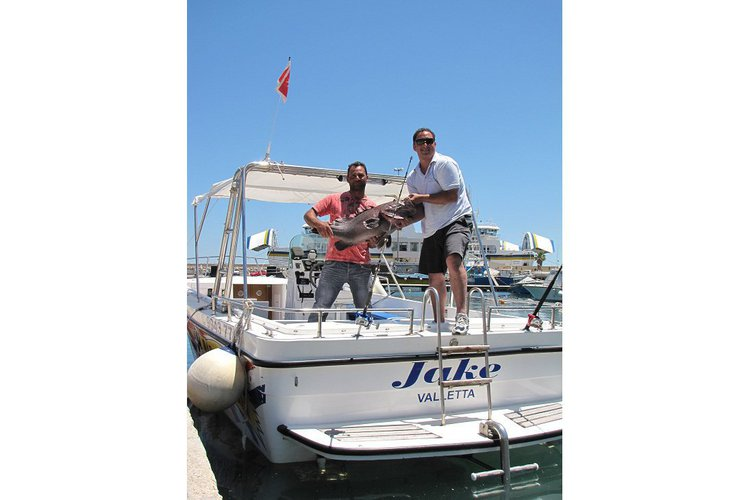 Discover Malta surroundings on this Fast Cruiser Motor Boat boat