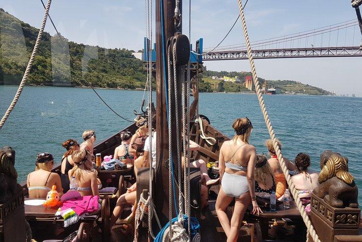 Boat for rent Nau 60.0 feet in alcantara marina, Portugal