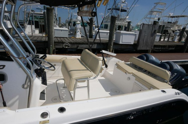 Center console boat for rent in Nassau