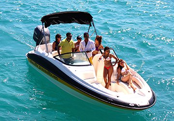 Set your dreams in motion in Mexico aboard 24' Sea Ray