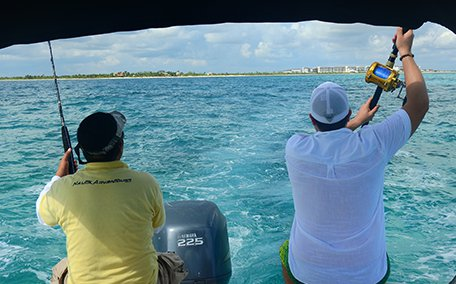 Boating is fun with a Sea Ray in Cancun