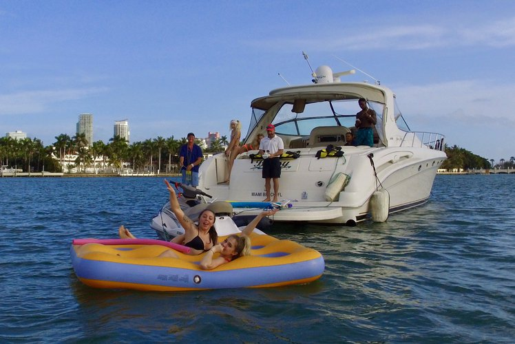 Luxury Yacht Rental - 55' Sea Ray - Miami, Florida Keys & The Bahamas