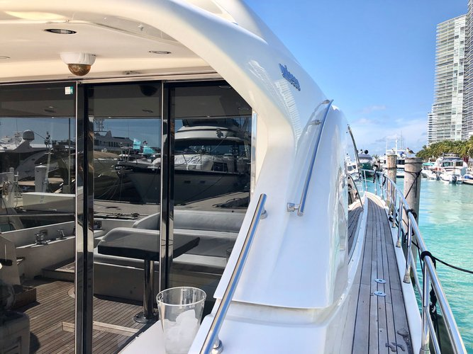 Boat for rent Uniesse 70.0 feet in Island Garden Marina,