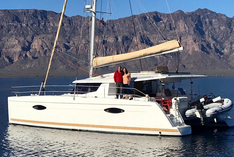 Boat rental in La Paz,