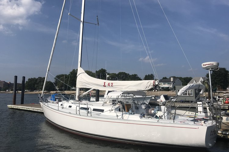 A beautiful 42' sailing yacht with USCG licensed captain