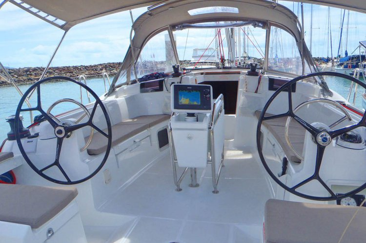 Boat for rent Jeanneau 43.0 feet in Abells Point Marina,