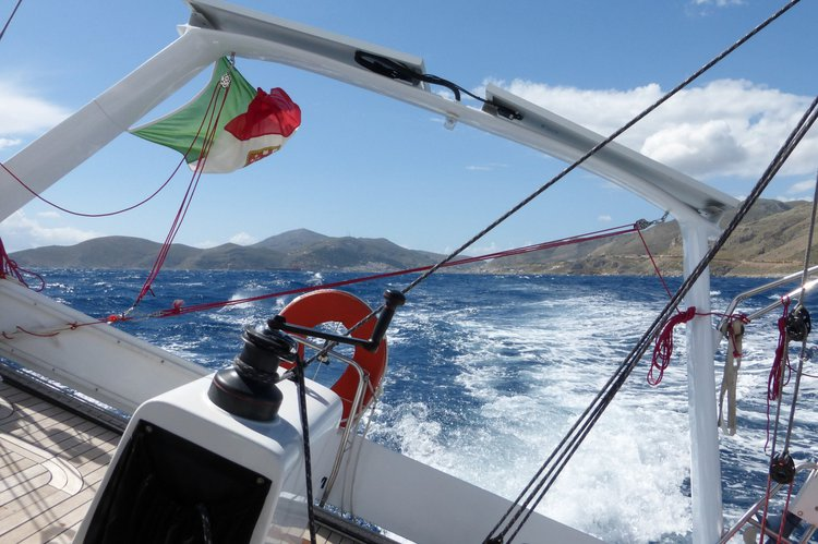 Discover Paros surroundings on this Walkabout 43 Walkabout Yachts boat