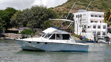 Have fun in the sun on this Flacq motor boat charter