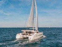 Enjoy sailing in Puerto Rico aboard Lagoon 450 S