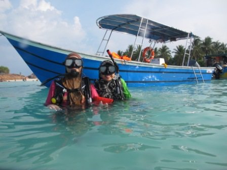 Hop aboard this amazing motor boat rental in Malaysia!