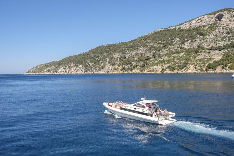 Motor yacht boat rental in Split,
