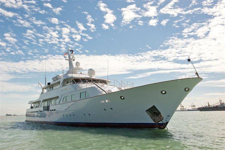 Mega yacht boat for rent in Langkawi