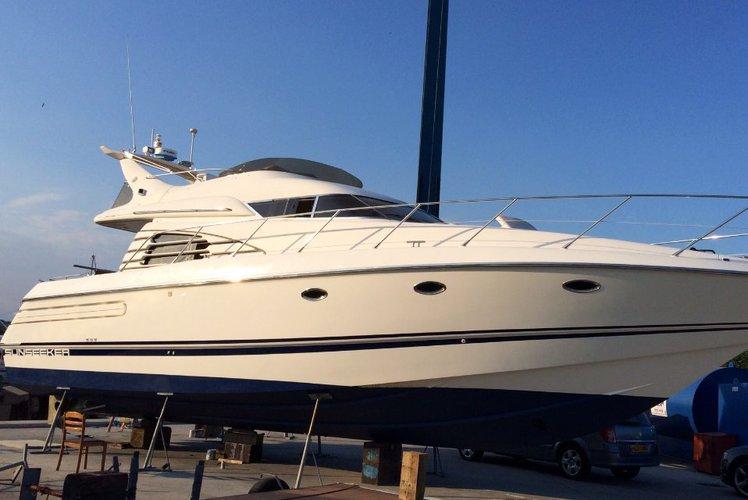 Motor yacht boat rental in Dubai, United Arab Emirates